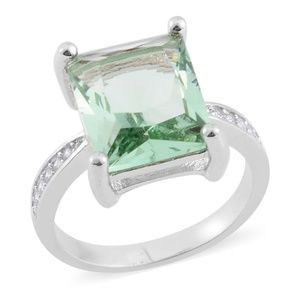 Jewelry - ❣✔Green and White CZ Silvertone Ring  5.27❣✔